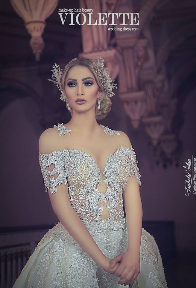à des modèles modernes et romantiques dans lesquelles chaque mariée se  sent unique, Savourez tous les détails de la nouvelle collection par  VIOLETTE